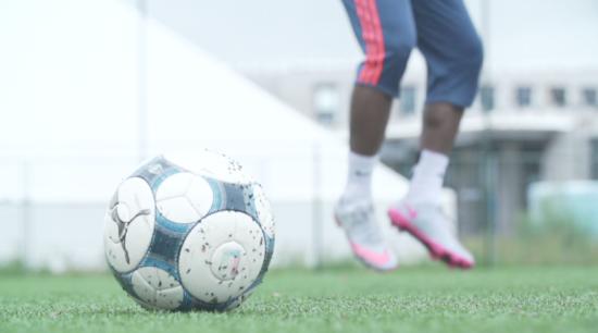 Hoe Afrikaanse jongens in het Europese voetbal terechtkomen